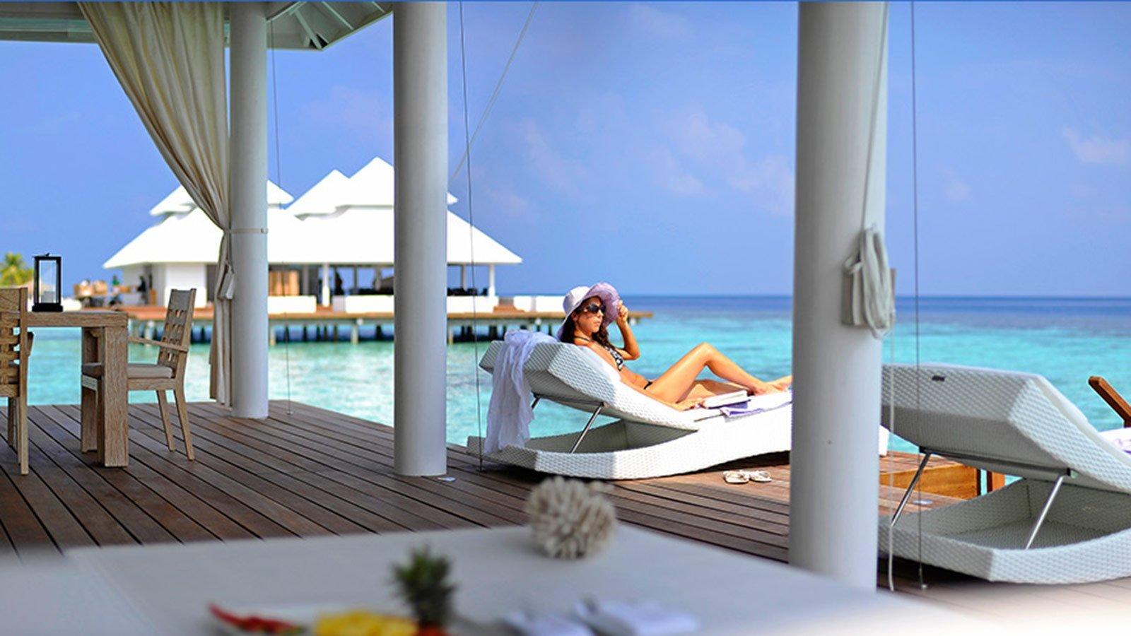 Diamonds Athuruga Maldives Resort